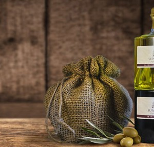 Stacked Olive Oil and Vinegar Gift Set